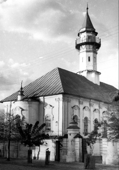 Была первой каменной мечетью, построенной после взятия Казани Иваном Грозным.