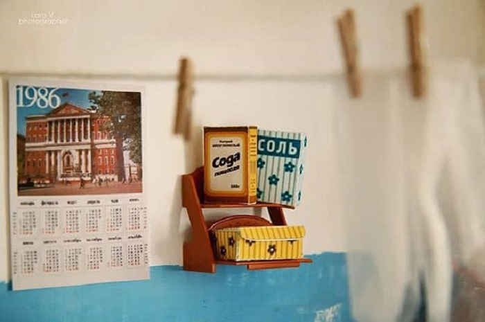 Фотограф уделила пристальное внимание деталям - все коробочки, например, сделаны из плотной бумаги, чтобы хорошо держали форму.