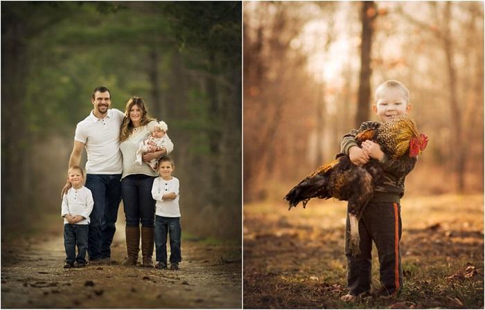 Фермер фотографирует своих детей и домашних животных.