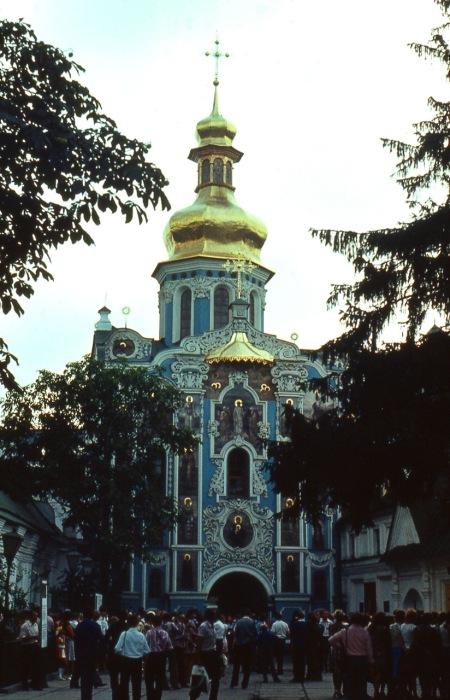 Надвратная церковь Киево-Печерской лавры.