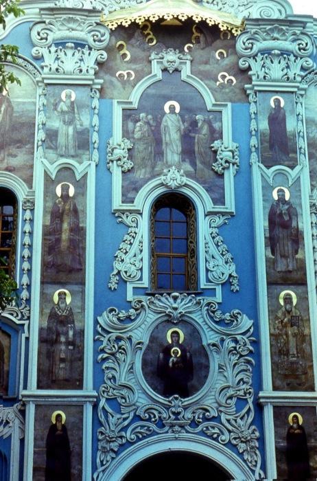 Единственный храм Киево-Печерской Лавры, который дошёл да наших времён ни разу не разрушаясь.