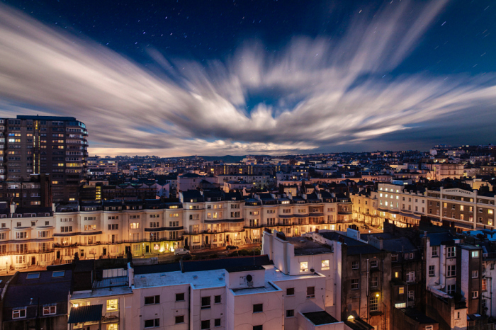 Ночьная тишина над городом. Автор фотографии: Макс Мазуренко (Max Mazurenko).