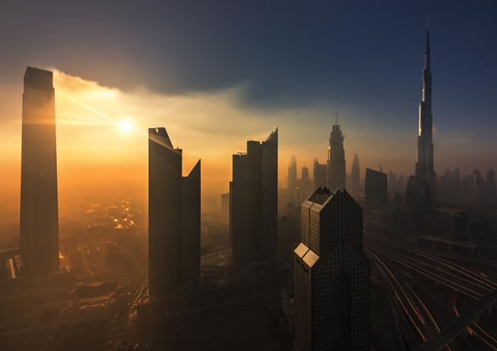 Закат над мегаполисом. Автор фотографии: Дэнни Ид (Dany Eid).