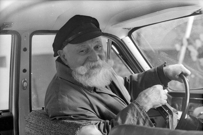 Старейший московский таксист в объективе фотографа Александра Стешанова.