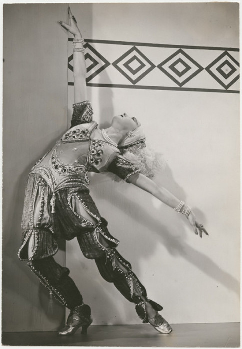 Балерина станцевала сольные партии в «Спящей красавице», «Золотом Петушке», «Петрушке», «Жар-Птице» и других спектаклях.