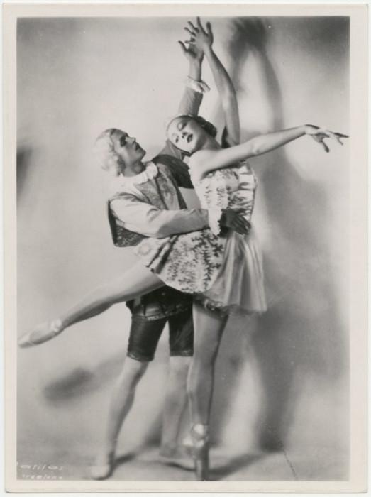 Прославленная балерина Ирина Баронова с партнером Романом Ясинским.