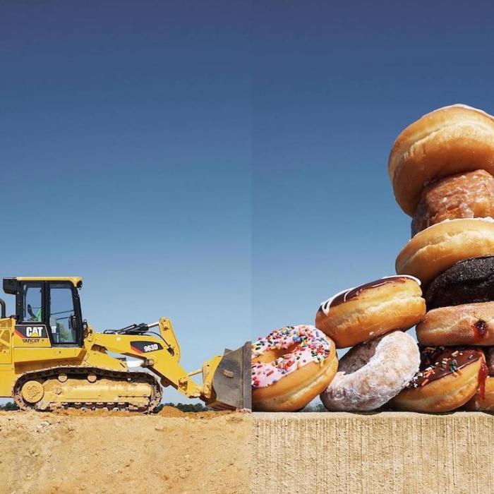 Подготовка ко дню массового поедания пончиков.