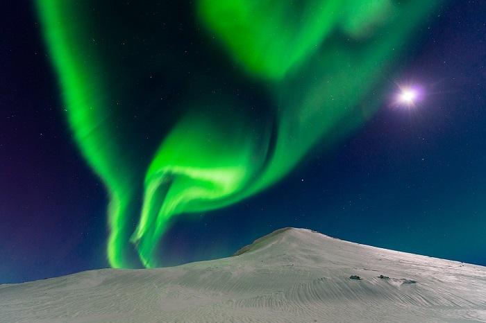 Северное сияние в Исландии. Фотограф - Andrew George.