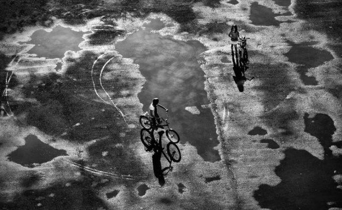 После дождя на велосипеде... Фотограф: Сергей Коляскин, Россия.