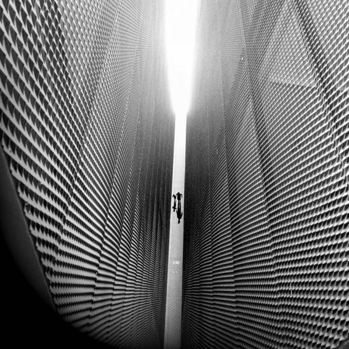 В проеме домов в Валенсии, Испания. Фотограф Хосе Луис Саес Мартинес (Jose Luis Saez Martinez).
