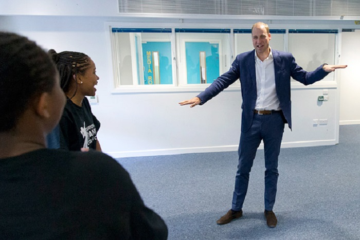 Принц Уильям принял участие в танцевальном мастер-классе, во время которого разучил сложное движение – волна руками.