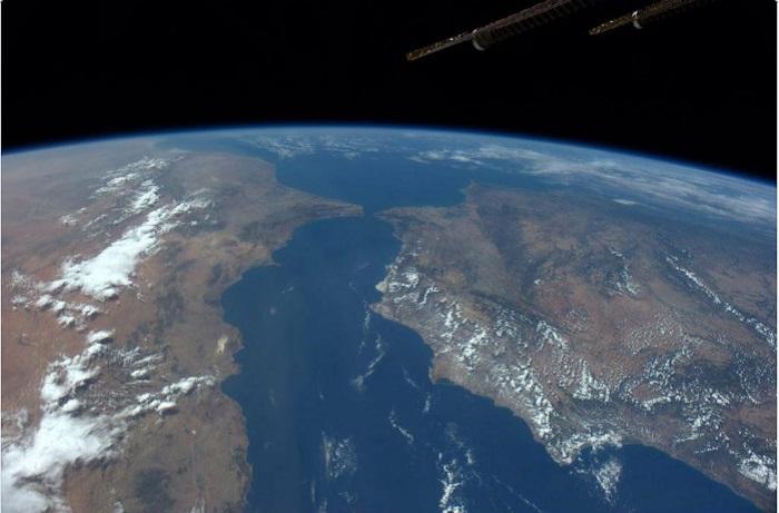 Материки и океаны на земном шаре.