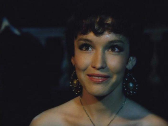 Российская актриса, певица и телеведущая, женщина удивительной красоты и непростой судьбы.
