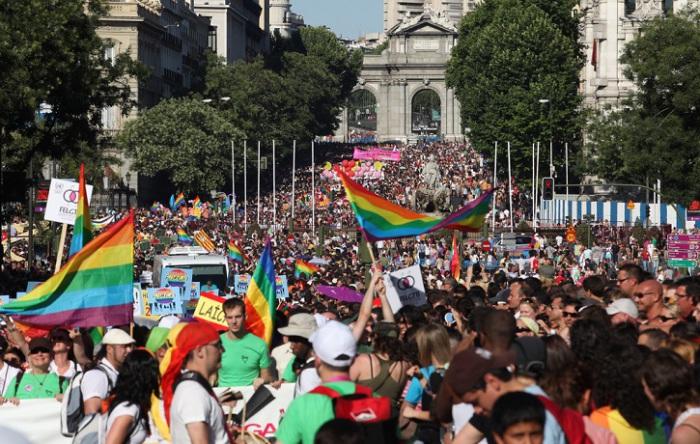 Более 88% испанцев признались что ничего не имеют против гомосексуальной ориентации, Германия в таком отношении отстаёт всего на 1%.