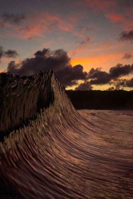 Фотографии Мэтта Берджесса раскрывают захватывающую красоту и удивительное разнообразие океанических волн.