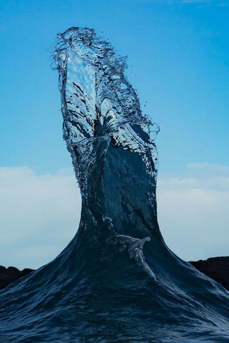 При сильном шторме волны океана могут с легкостью перемещать камни весом в несколько тонн.