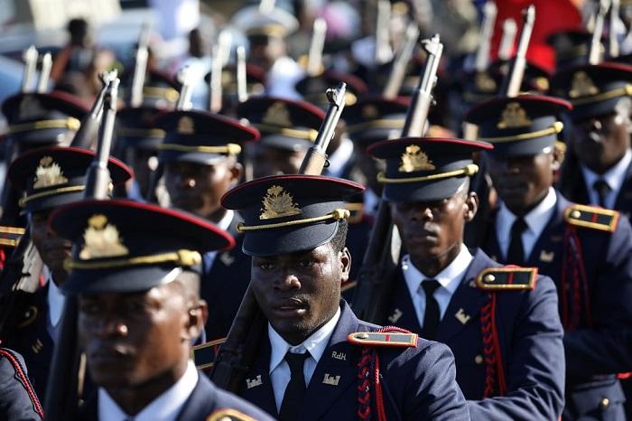 Парад вооружённых сил в четвёртом по величине городе Гаити.