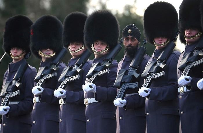 Войска на встрече французского президента Эмманюэля Макрона с британским премьер-министром Терезой Мэй.