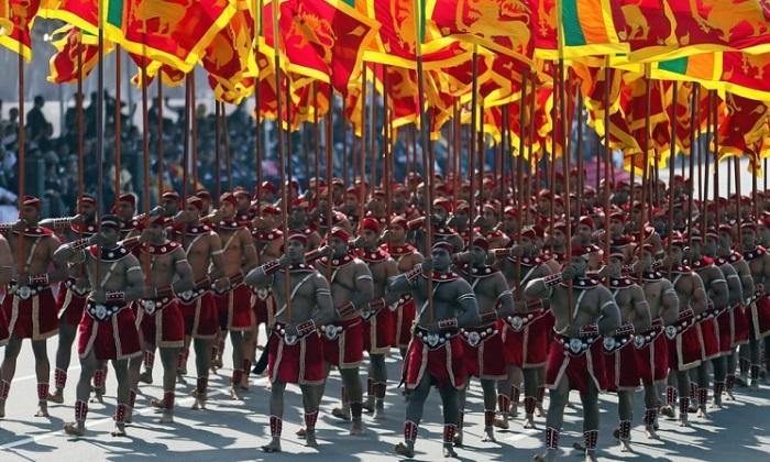 Солдаты войск специального назначения на параде, посвящённом 70-му Дню независимости.