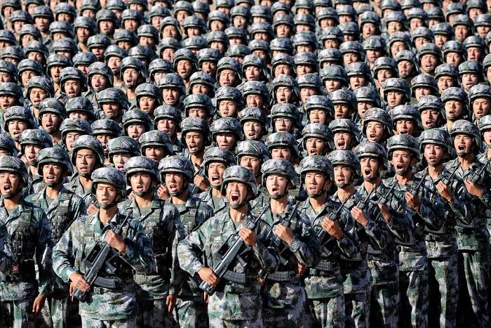 Марш Народно-освободительной армии Китая на праздновании 90-летия со дня основания вооружённых сил.