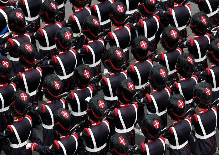 Военный парад в честь Дня республики в Риме 2 июня.
