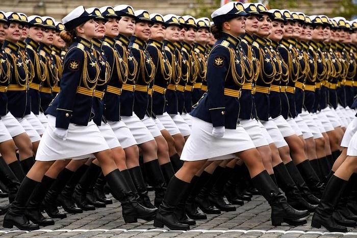 Ежегодный военный парад 9 мая на Красной площади в честь Дня Победы.