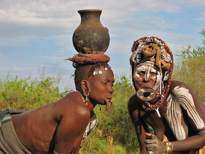 Племя Эфиопии в основном говорит на амхарском и оромо языках.