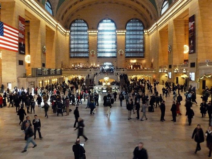 Через эту станцию в течении года проходит более 20 млн. приезжих.