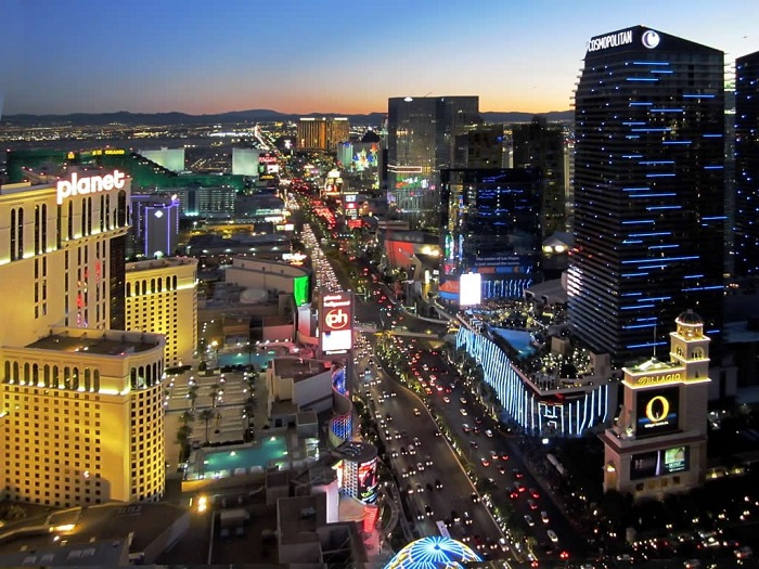 Самый массовый развлекательный бульвар в мире.