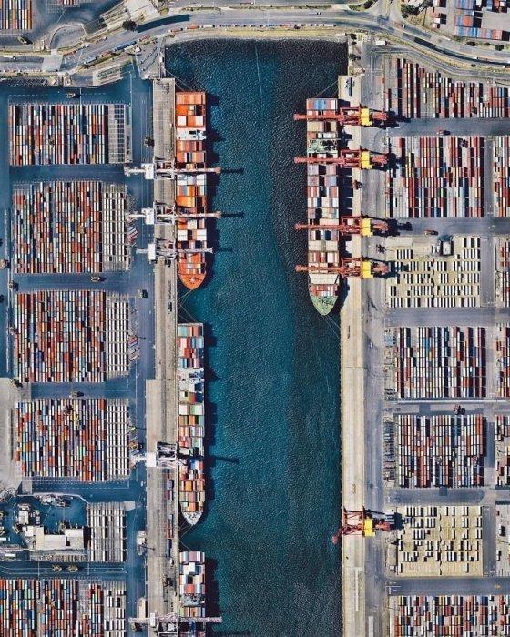 Вместе с другими доками образуют самый крупный порт в Австралии, расположенный на северном берегу реки Ярра.