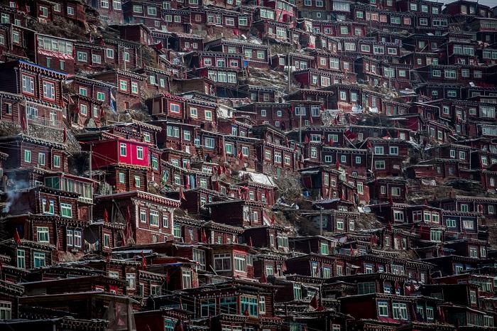 Дом для 40 тысяч монахов. Фотограф: Wan Shun Luk.