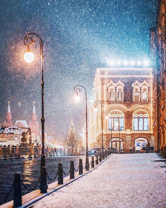 Прекрасный вид зимнего города.