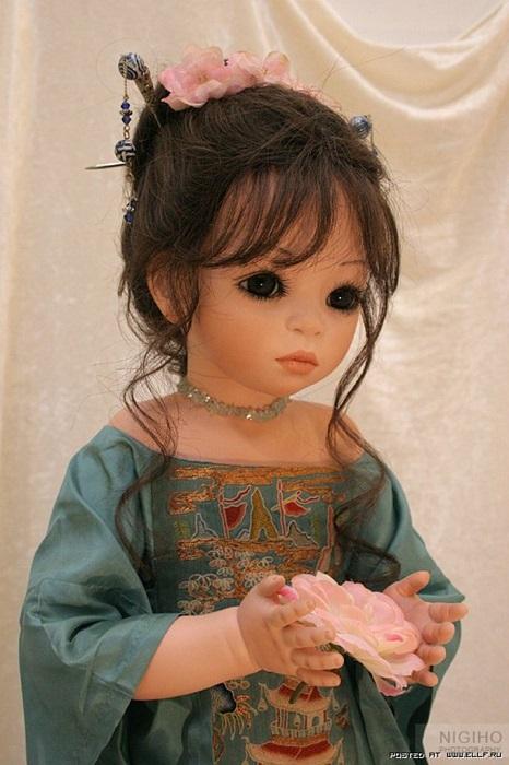 И все же иногда, по просьбам многочисленных клиентов, художница может увеличить лимит кукол до 5-ти штук.