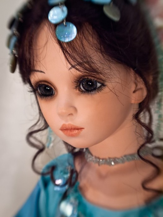 Художница создает уникальных фарфоровых кукол на протяжении почти 30-ти лет.