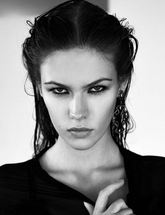 Яркая и эффектная модель из Москвы с 2010 года работает в США, часто появляется на страницах журнала «GQ».