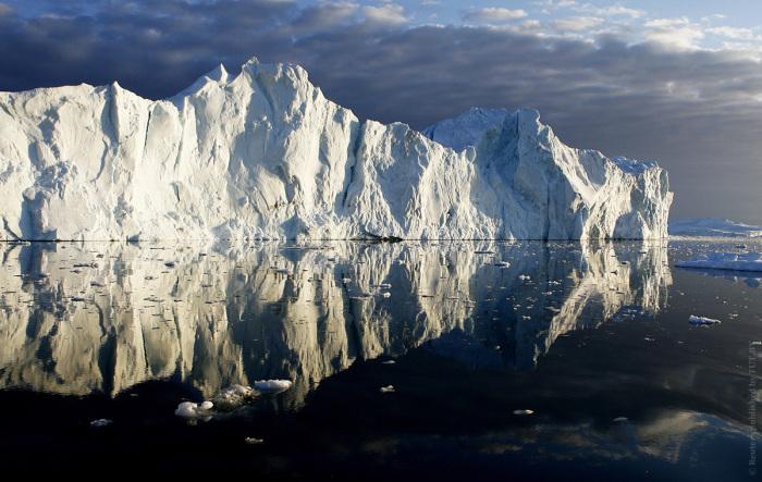 Необыкновенное ледяное творение природы.