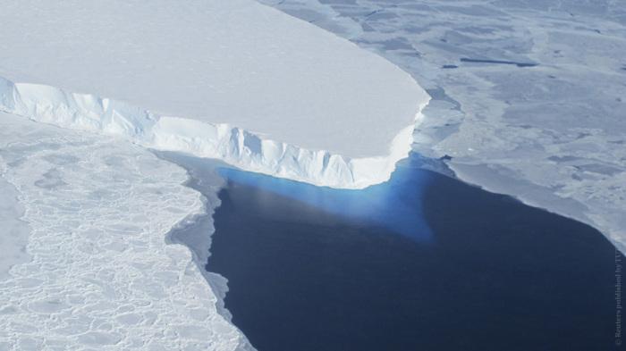 Самый крупный ледник в западной части Антарктики, движущийся со скоростью более 2 км/год, может увеличить уровень мирового океана до 60 см.
