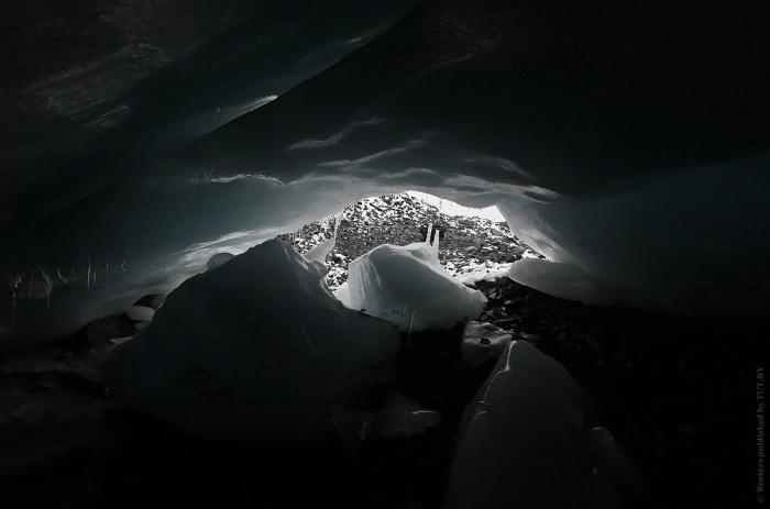 Одной из самых быстро отступающих масс льда в горном хребте Кордильера-Бланка является перуанский ледник Пасторури.