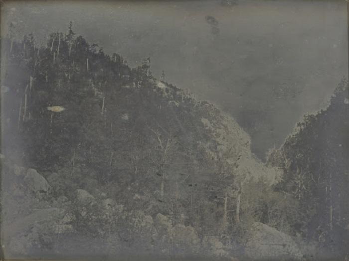 Крутое и узкое ущелье реки Сако в Белых горах в Нью - Гемпшире, 1840 год.