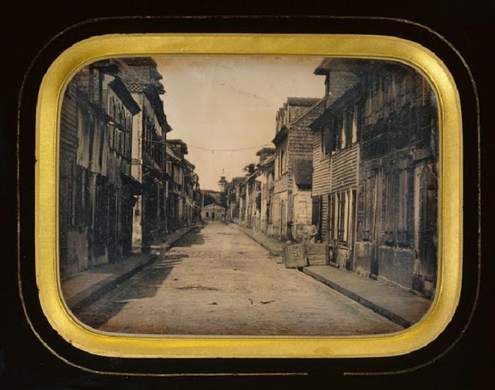 Город на острове Мартиника, в течение нескольких минут был уничтожен ураганом из раскалённых камней и пепла, при извержении вулкана, 1848 год.