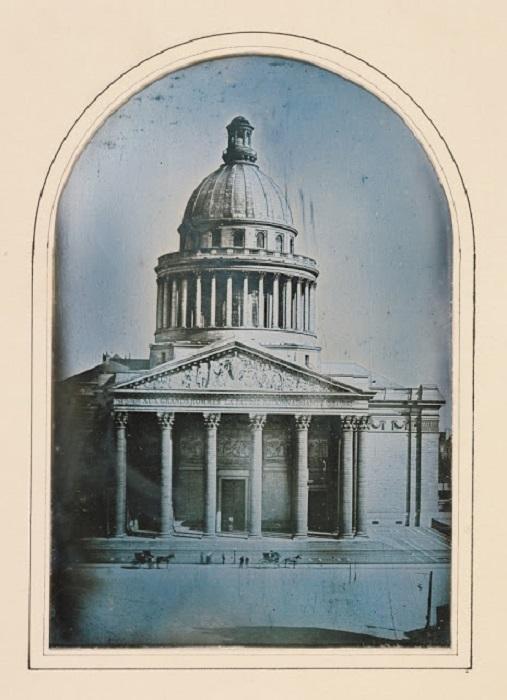 Единственное здание Древнего Рима, не превратившееся в руины и сохранившееся в целости до наших дней, 1842 год.