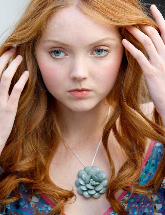 Британская модель и актриса поражает своей неземной красотой и миленьким детским личиком в обрамлении рыжих локонов. /Фото: wmj.ru