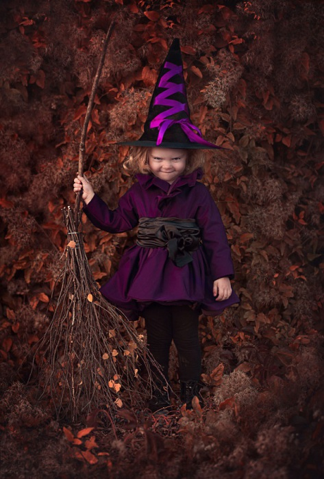 Магический костюм юной колдуньи.