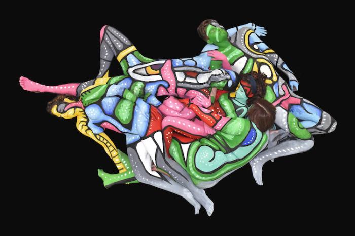 Красочные картины нью-йоркского художника Энди Голуба (Andy Golub) созданы из нескольких моделей, сфотографированных сверху.