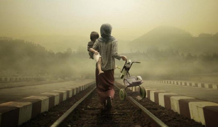 Быть на руках у мамы – это жизненно важная потребность ребёнка.