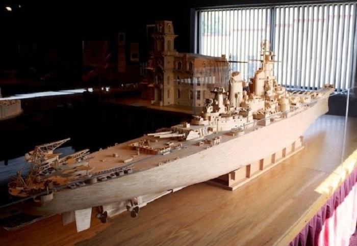 Главный корабль серии из 4 линкоров типа «Айова» ВМС США.