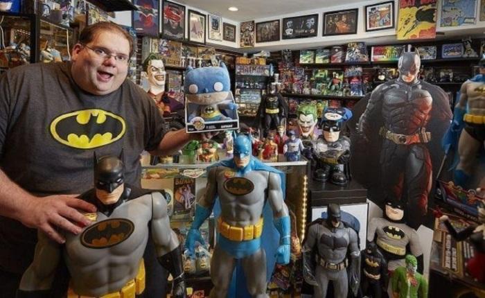 Коллекция сувениров с Бэтменом принадлежит Брэду Ладнеру из США и состоит из 9 тысяч различных предметов.