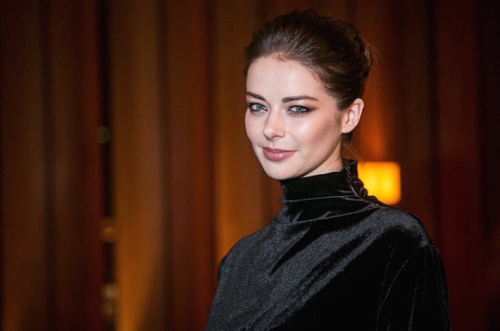 Российская актриса театра и кино.