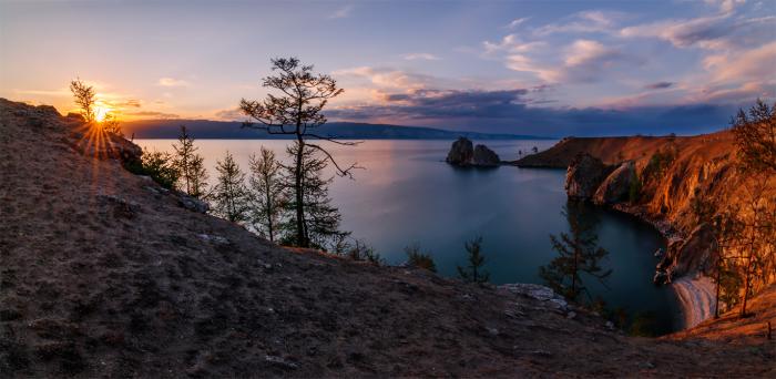 Потрясающий вид на озеро во время заката. Автор фотографии: Альберт.