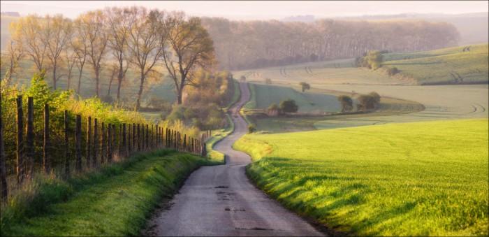 А дорога тонкою лентою вьется... Автор фотографии: Влад Соколовский.